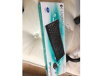 BRAND NEW Wireless Keyboard and Mouse set * LOGITECH MK270 WIRELESS COMBO *