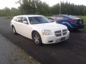 2006 Dodge Magnum Wagon trade