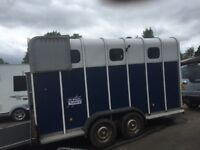 Horse trailer - carry 3/4 ponies