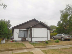 419 3rd Ave. W., Assiniboia