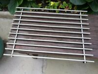 Heat resistant wire rack for kitchen/outdoors