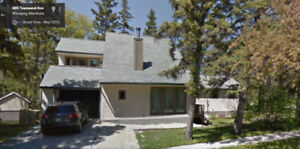 6 Bedrooms House for rent Near University of Manitoba UM U of M