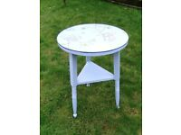 Round wooden side / end table