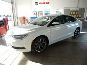 2016 Chrysler 200 S PACK!!  FULLY LOADED!!!! LOW KM!!!