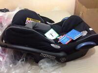 Black Maxi-Cosi baby car seat