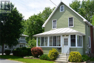 Beautifully restored century home in downtown Cornwall