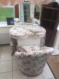 Vintage dresser with mirror and cushioned chair. Can deliver.