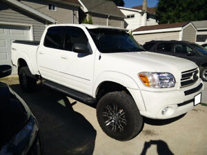 Awesome 2006 Tundra 4x4 loaded, lifted, safetied