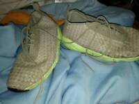 Nike flynits size 9