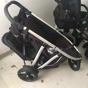 PHIL AND TEDS double stroller.