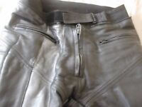 "leather motorcycle armoured trousers 36 - 38"" waist , 32"" leg £15"
