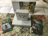 BRAND NEW UNWANTED GIFT XBOX ONE S, WHITE (FIFA 17) PLUS *4 GAMES AND TWO WIRELESS CONTROLLERS*