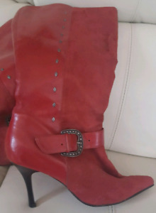 Mint red leather & suede boots vintage