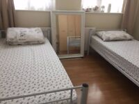 Big Room Share A Minute Walk From Kingsbury Station