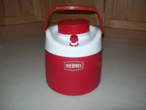 THERMOS    COOLER  WATER  JUG