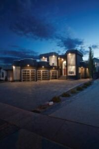 Ultra Modern Luxury Home For Rent!