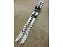 3 pairs of ski's