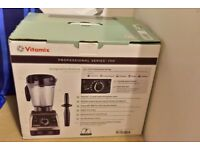 VITAMIX Professional Series 750 - Brand New with Box