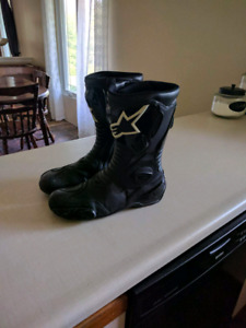 Alpinestars motorcycle boots and gloves