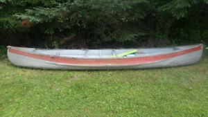 "Sears Aluminium Canoe ""Like a Rock"""