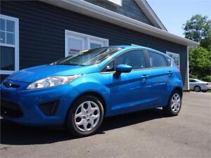 2013 Ford Fiesta SE, AUTO, AIR, NEW MVI, READY TO GO!
