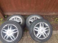 Renault clio 15 inch alloys batgain take a look