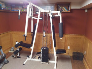 Home gym in good condition!