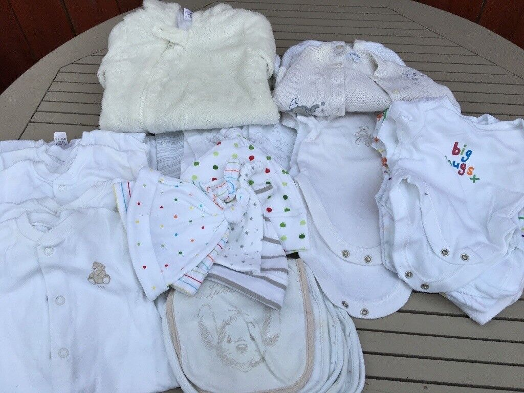 Baby bundle newbornin Hull, East YorkshireGumtree - Gorgeous next bundle of newborn unisex baby clothes. 15 vests 8 sleepsuits, snow suit, cardigans bibs, hats. All in very good condition. From smoke and pet free home