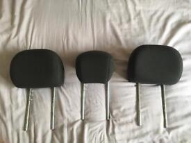 Ford Focus 2003 back seat headrests