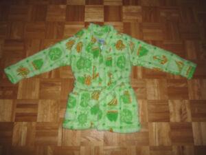 Robe de chambre 6-8 ans et costume de bain 6x