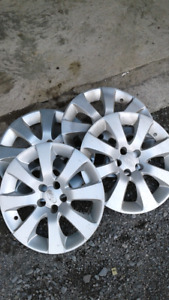 Set of hubcaps off 2014 subaru  16 inches set of 4