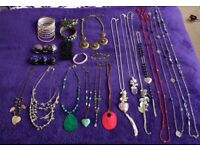 Job lot of jewellery, necklaces and bracelets