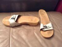 Lot 38 - White buckle wooden sandal