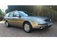 Ford Mondeo diesel Estate in Oyster Silver