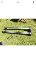 Genuine Mk2 Ford Focus lockable roof bars