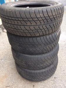 60$ pour 4 pneu 4 saison Motomaster SE --P215/60R15