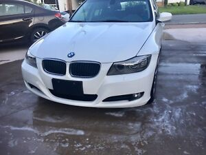 2011 BMW FULLY LOADED NEED GONE BEST OFFER TAKES IT