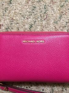 Michael Kors Ladies Wallet For Sale Great Price! Like New!