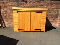 BRAND NEW WOODEN BIKE SHED WITH 2 KEYS SIZE IS 7 X 3