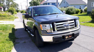 Ford F150 XLT 4 door Super Cab