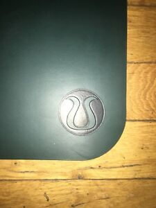 Men's Lululemon Reversible Yoga Mat - Gently Used