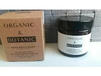 Organic & botanic madagascan coconut day moisturiser (50ml).