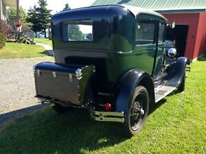 1928 MODEL A FORD (DELUX)