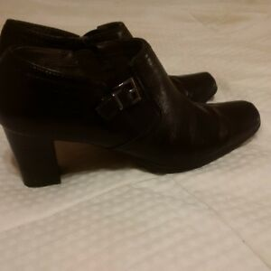 like new - very comfortable and good quality black leather shoes