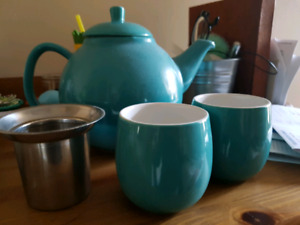 David's Tea Pot and Cups