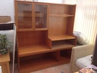 Dining room unit in excellent condition