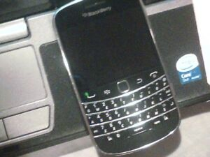 BlackBerry Bold9900 Touch 8GBBlack  Bell/MTS Smartphone WIFI 4G