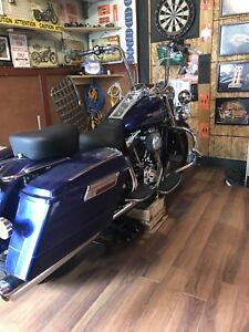 2006  Harley Road King Trade for sports  car