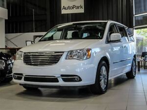 2016 Chrysler Town & Country Stow N' Go| 7 Seater| Power Sliding
