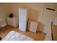 Nice spacious single/double room for £140/£170 5 minutes from local station - all bills inclusive